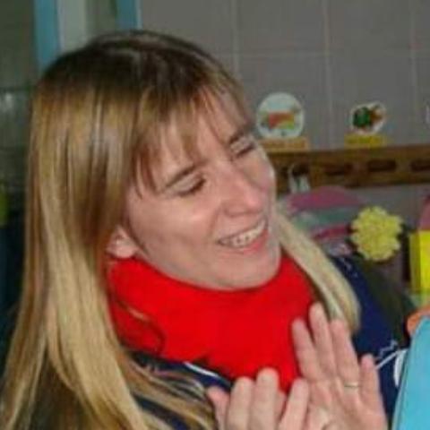 Betina Ghia Biset